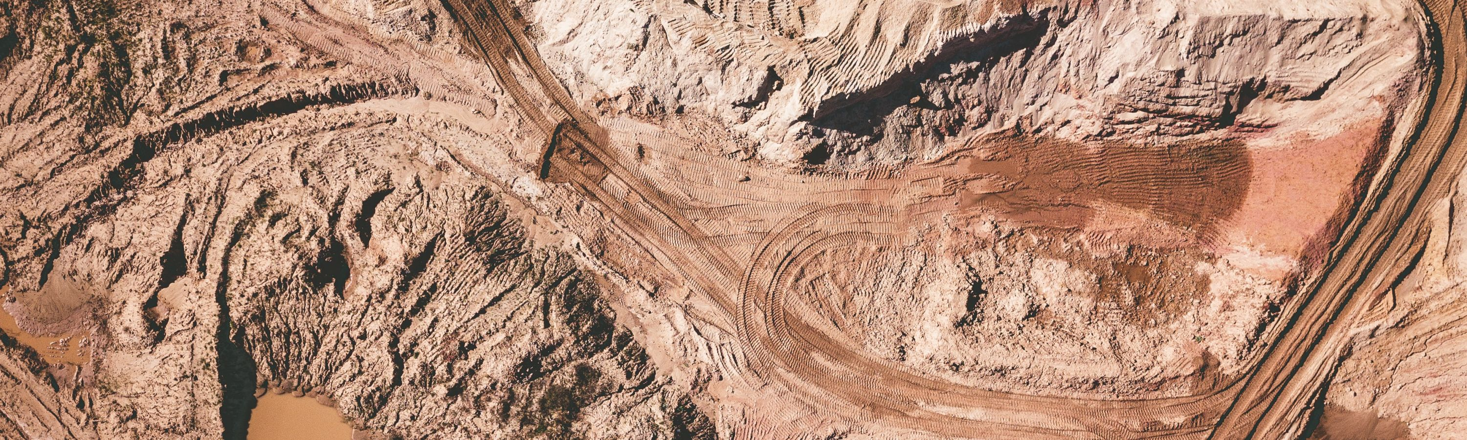 金属与矿业