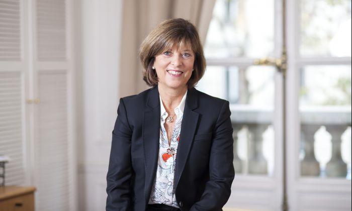 Lisa Barlow