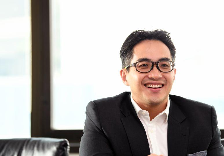 Julian Ho