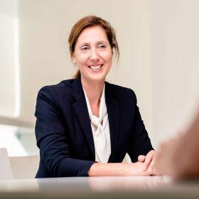 Dr. Laura Luelsdorf